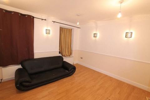 2 bedroom apartment to rent - Cephas Avenue, London