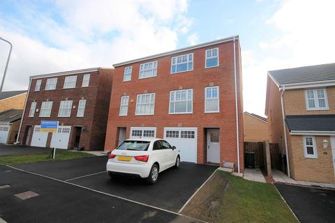 3 bedroom townhouse for sale - George Stephenson Boulevard, Stockton-On-Tees