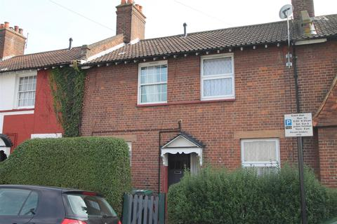 2 bedroom terraced house to rent - Bedwell Road, London N17