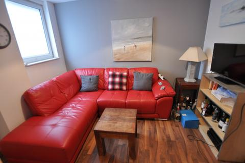 5 bedroom house to rent - 5 bedroom Flat Student in Central Swansea