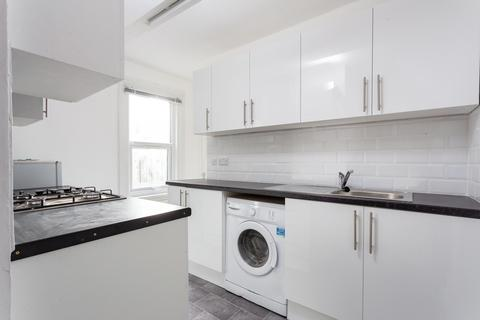 2 bedroom flat to rent - Stainforth Road, Walthamstow, E17