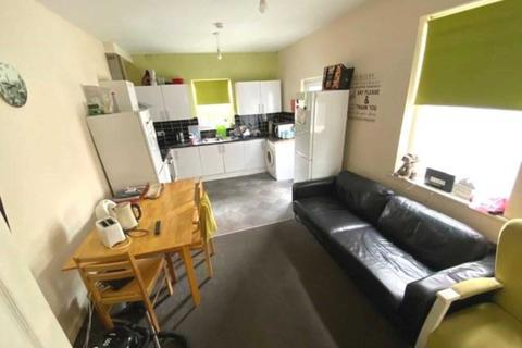 6 bedroom house share to rent - Lower Seedley Road, Salford