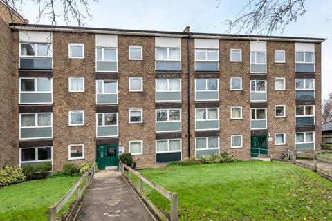 2 bedroom flat to rent - Allison Close Greenwich SE10