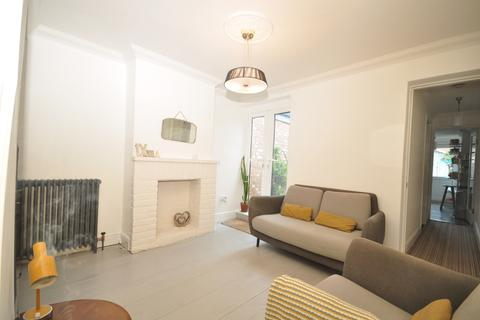 2 bedroom terraced house to rent - Highland Terrace Southsea PO4