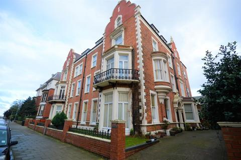 Studio for sale - Prince of Wales Terrace, Scarborough, YO11 2AN