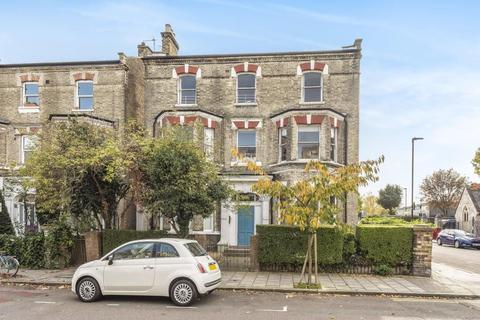 2 bedroom flat for sale - Lambert Road, Brixton, London, SW2 5BA