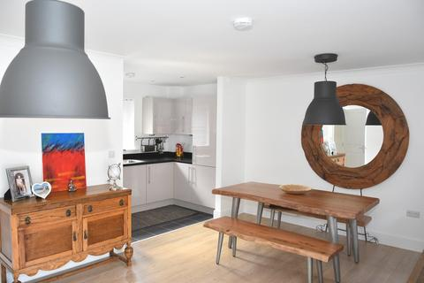 2 bedroom apartment for sale - Andrews Close, Leamington Spa, Warwickshire