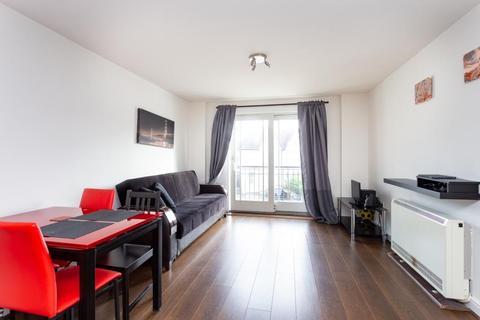 2 bedroom flat to rent - High Road, Wood Green N22