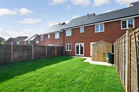 3 bedroom terraced house for sale - Linnet Drive, Finberry, Ashford, Kent