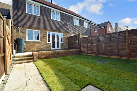 4 bedroom end of terrace house for sale - Swift Drive, Finberry, Ashford, Kent