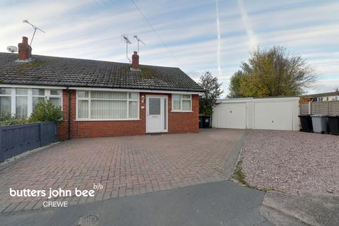 2 bedroom bungalow for sale - Addison Close, Crewe