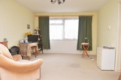 1 bedroom flat for sale - Holbrook Way, Harold Wood
