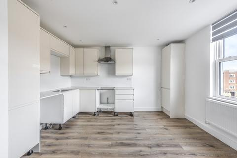 3 bedroom flat to rent - Albion Road Stoke Newington N16