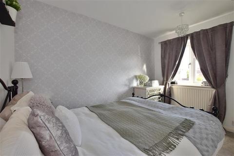 3 bedroom semi-detached house for sale - Le Temple Road, Paddock Wood, Tonbridge, Kent