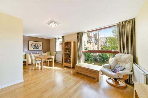 1 bedroom flat for sale - China Court, Asher Way, London, E1W
