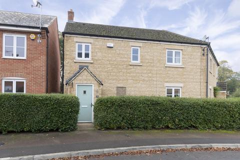 4 bedroom semi-detached house for sale - Desert Orchid Road, Cheltenham GL52 5FD