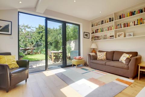 2 bedroom ground floor flat for sale - Danby Street, London