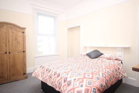 5 bedroom terraced house to rent - Furzehill Terrace, Mutley
