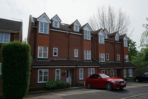 1 bedroom flat to rent - Dorchester House, Hasletts Close, Tunbridge Wells
