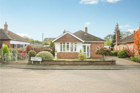 2 bedroom detached bungalow for sale - Stanneylands Drive, Wilmslow