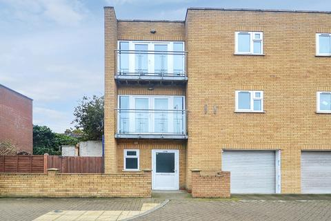 3 bedroom semi-detached house to rent - Newham Way, Canning Town E6