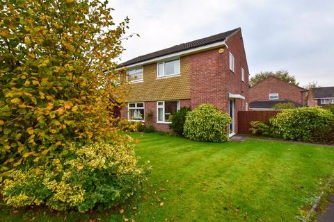 3 bedroom semi-detached house for sale - Chester Avenue, Sale