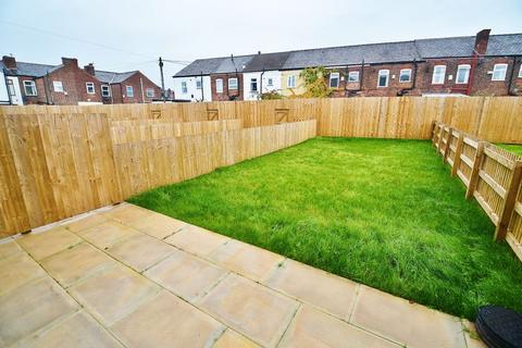 3 bedroom townhouse for sale - Clifford Street, Peel Green, Eccles