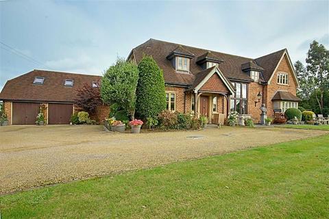 5 bedroom detached house for sale - 5 Bed House & 2 Bed Annexe, Goffs Oak, Hertfordshire