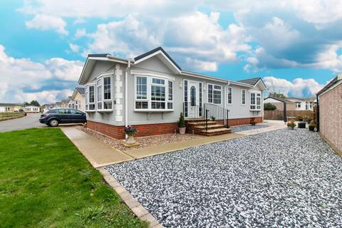 2 bedroom park home for sale - The Paddock, Willow Tree Farm Park,, Burmarsh Road, Hythe