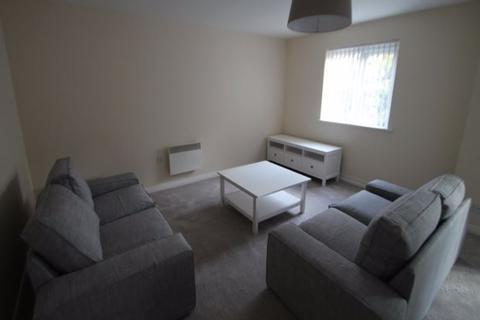 3 bedroom flat to rent - Abbots Mews, Leeds, LS4 2AB