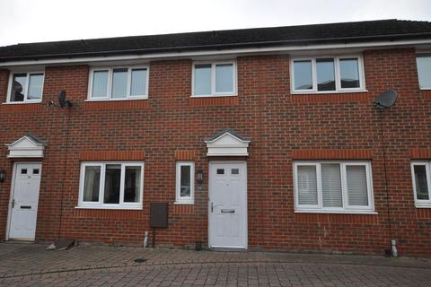 3 bedroom terraced house for sale - Baden Powell Close, Great Baddow, Chelmsford, CM2