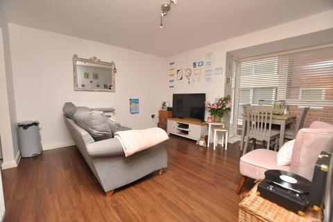 2 bedroom apartment for sale - Pearl Square, Chelmsford, CM2