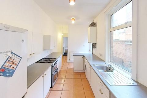 5 bedroom terraced house to rent - Dashwood Road, Leicester