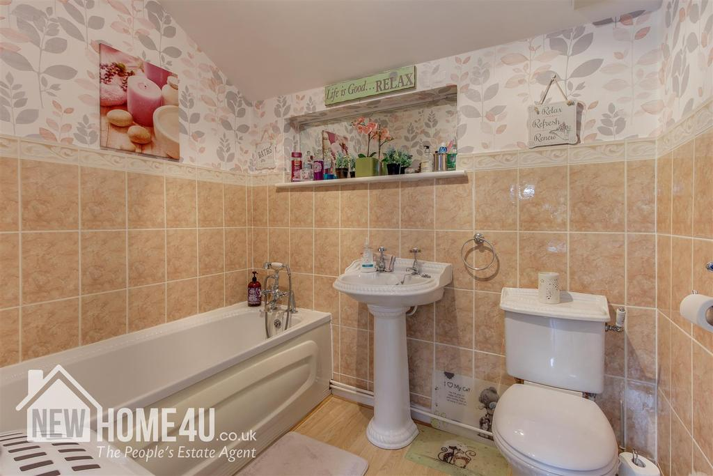 Family bathroom: