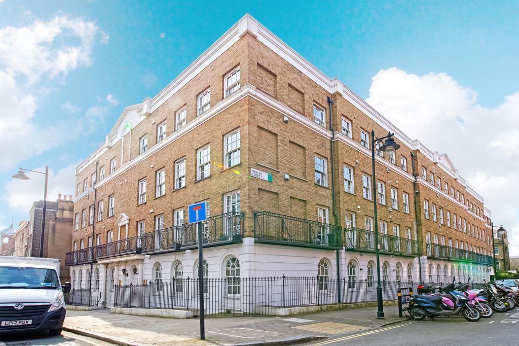 2 Bedrooms Flat for sale in Amwell Street, Clerkenwell, London, EC1R