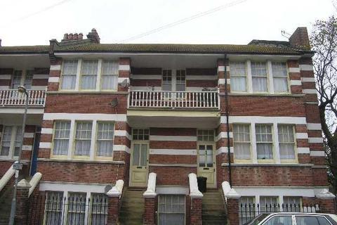 2 bedroom flat to rent - Castledown Avenue, Hastings