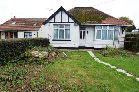 2 bedroom detached bungalow to rent - Minster Road, Minster On Sea, Sheerness