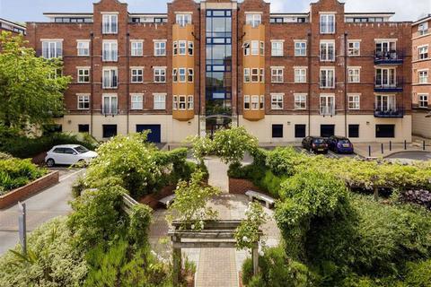 3 bedroom apartment for sale - Carisbrooke Road, LS16