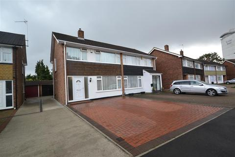 3 bedroom semi-detached house to rent - Park Way, Feltham