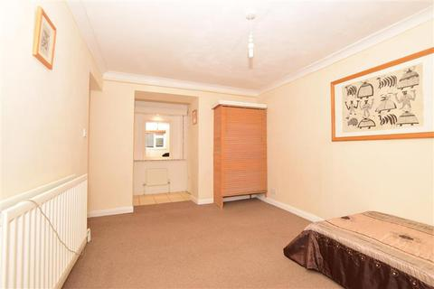 2 bedroom ground floor flat for sale - The Vale, Broadstairs, Kent