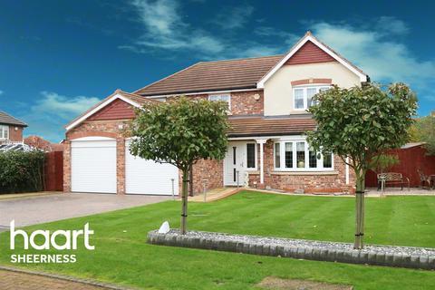 4 bedroom detached house for sale - Hunsdon Close, Eastchurch