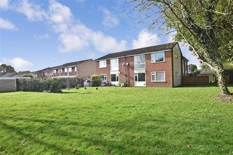 2 bedroom ground floor flat for sale - Thelton Avenue, Broadbridge Heath, Horsham, West Sussex