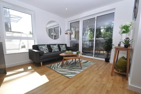 1 bedroom apartment to rent - La Riviere Apartments, Victoria Crescent, Ashford