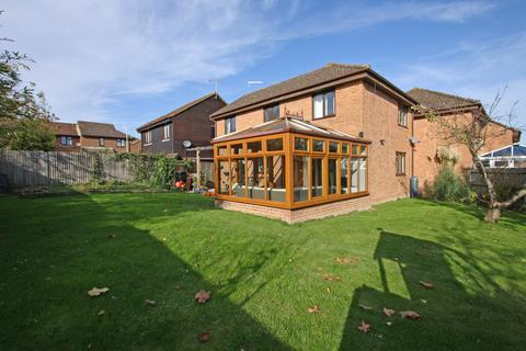 4 bedroom end of terrace house for sale - Cranbrook