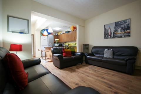 8 bedroom terraced house to rent - Tiverton Road, Selly Oak - student property
