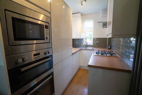 3 bedroom terraced house to rent - Three Double Bedroom Student House - Lord Byron Street