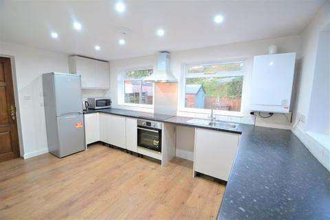 3 bedroom semi-detached house to rent - Wilfred Road, Manchester