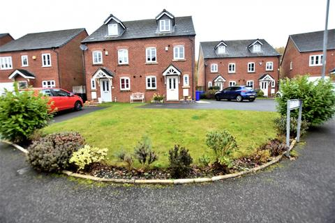 3 bedroom semi-detached house for sale - The Green, Hyde