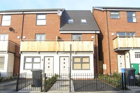 3 bedroom house to rent - Houseman Crescent, West Didsbury, Manchester, M20
