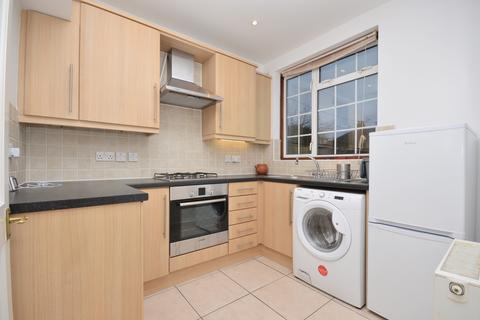 3 bedroom terraced house to rent - Bearstead Rise SE4